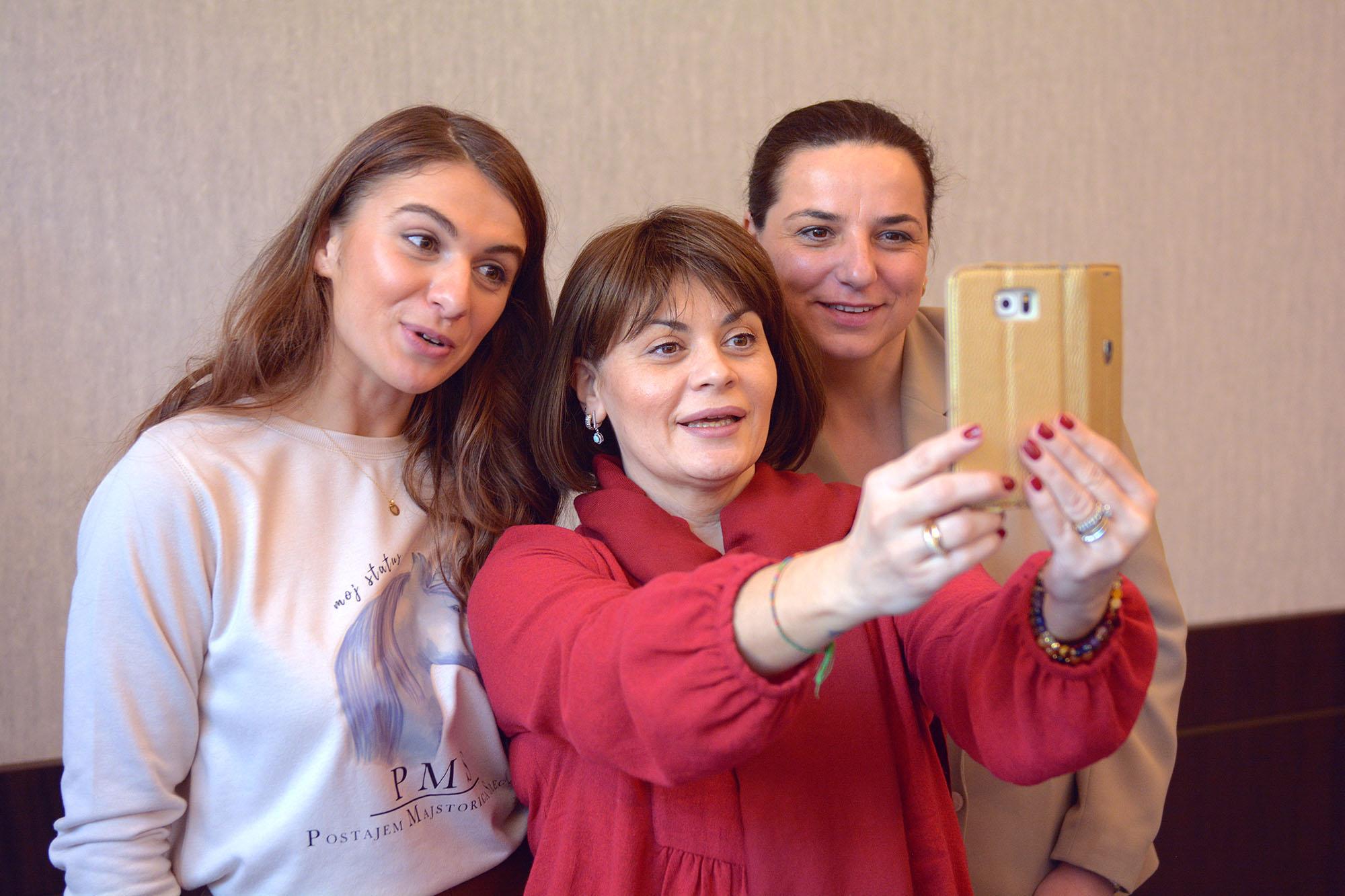 Petra Cutuk Vjeruj Traži Manifestiraj Zdravlje Meditacija Vježbe Disanja Samopouzdanje Posao Pms Podgorica Duhovnost